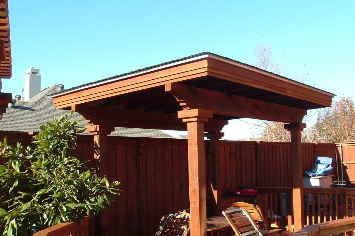 518 - Arbor with shingle roof